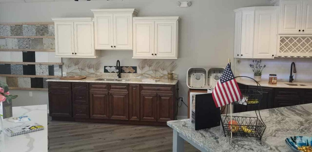 In our showroom you will find several kitchen layouts utilizing the various beautiful granite, quartz, and marble we can source for your remodel.