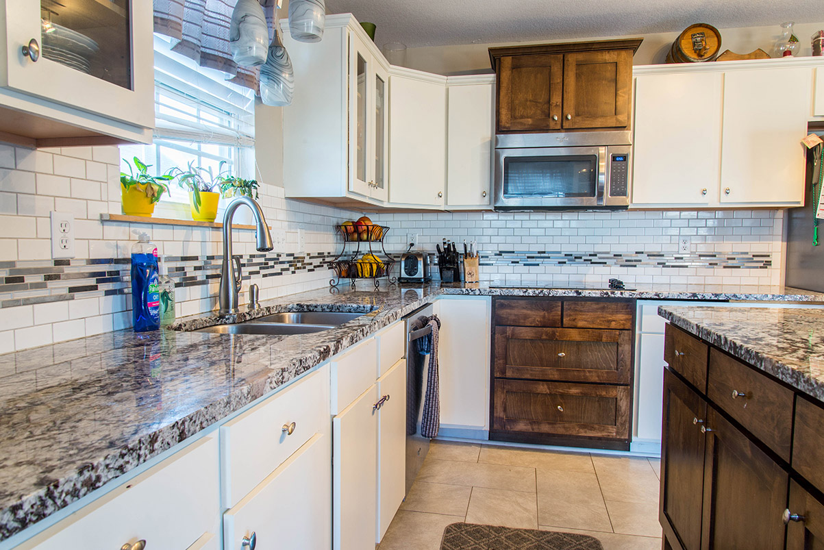Lennco Granite kitchen countertops