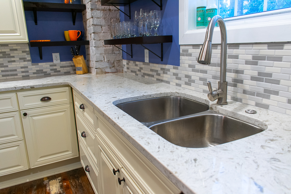 Tropical White Quartz Kitchen Countertops With Stainless Steel Sink